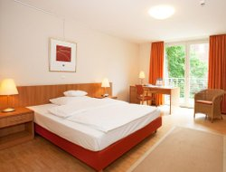Bonn hotels with restaurants