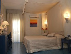 Top-4 romantic Mattinata hotels