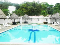 Villavicencio hotels with swimming pool