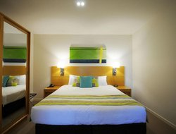 Urangan hotels with swimming pool