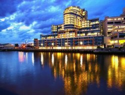 Melbourne hotels with river view