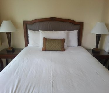 The Vendange Carmel Inn & Suites