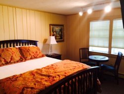 South Yarmouth hotels for families with children