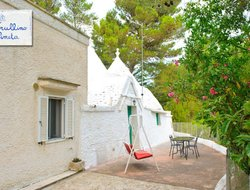 Pets-friendly hotels in Cisternino