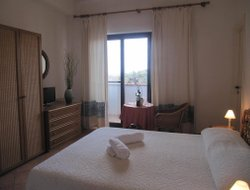 San Teodoro hotels with sea view