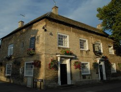 Top-3 romantic Witney hotels