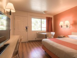 Pets-friendly hotels in San Bernardino