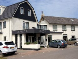 Top-9 hotels in the center of Texel Island