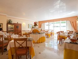 Bardolino hotels for families with children
