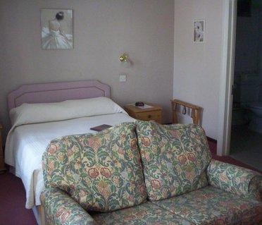 Castle Lodge Guest House Gatwick