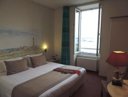 Roscoff hotels with sea view
