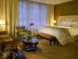 Top-10 romantic Denver hotels