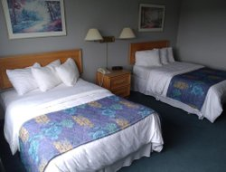 Clarenville hotels with restaurants