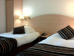 Angers hotels with restaurants