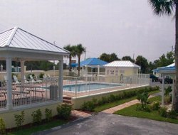 Fort Pierce hotels with swimming pool