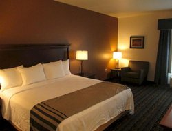Evansville hotels for families with children