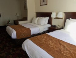 Grantville hotels with restaurants
