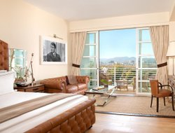 Top-10 romantic Beverly Hills hotels