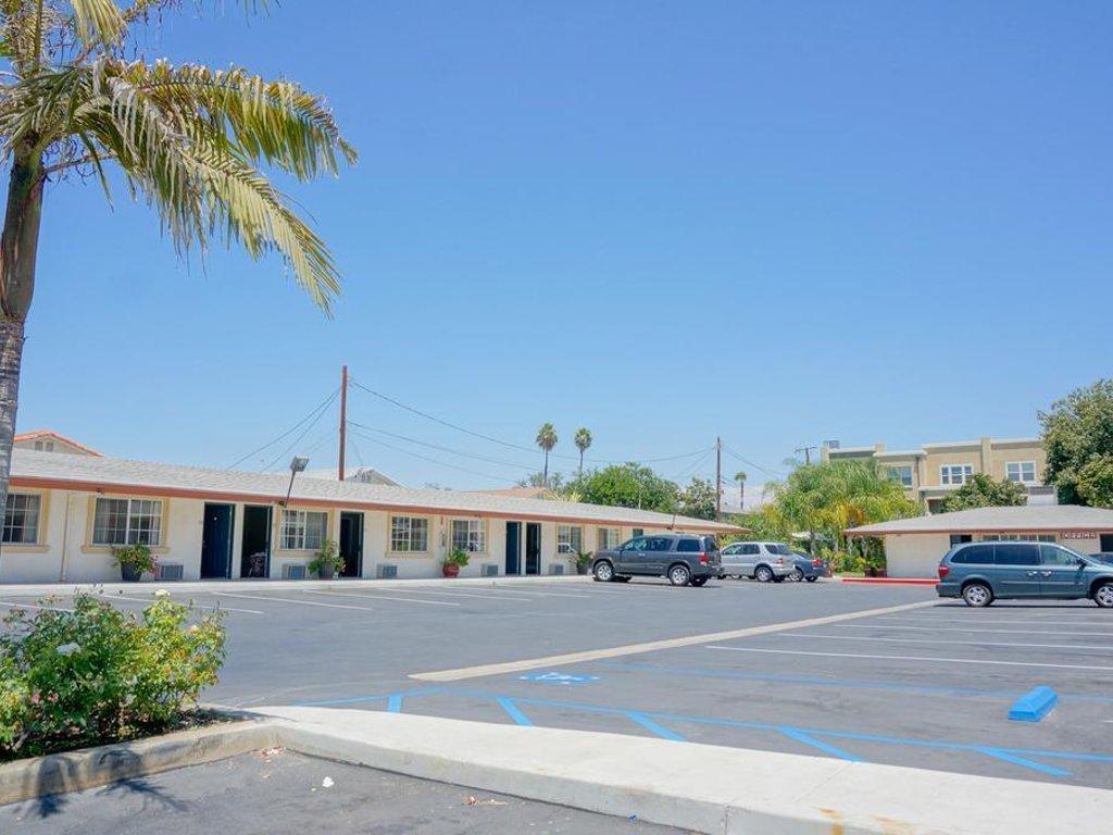 best motels in anaheim