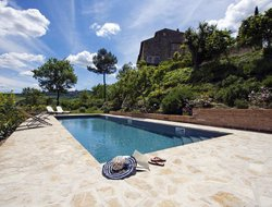 Todi hotels with swimming pool