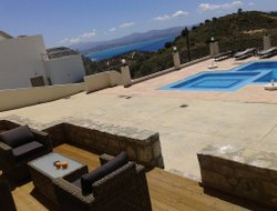 Top-4 romantic Agia Galini hotels