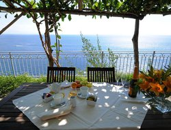 Top-4 romantic Conca dei Marini hotels