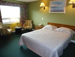 Fredericton hotels with restaurants