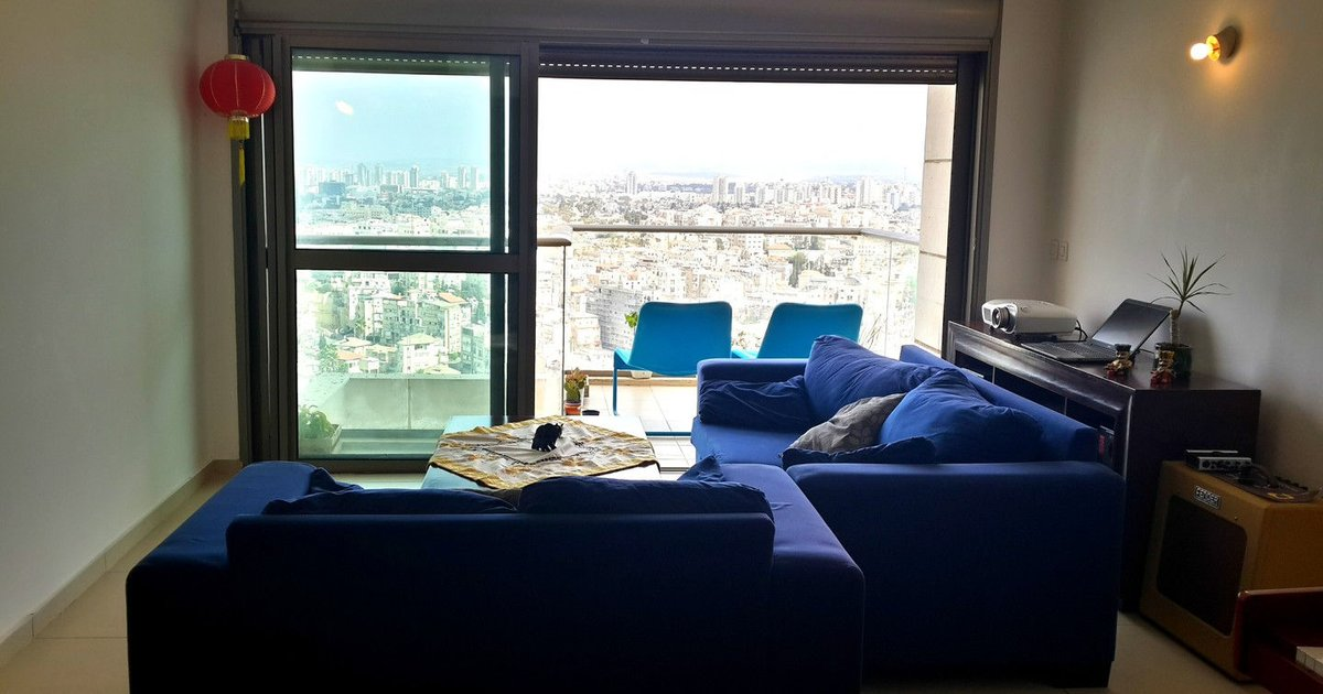 luxurius apartment 24th floor