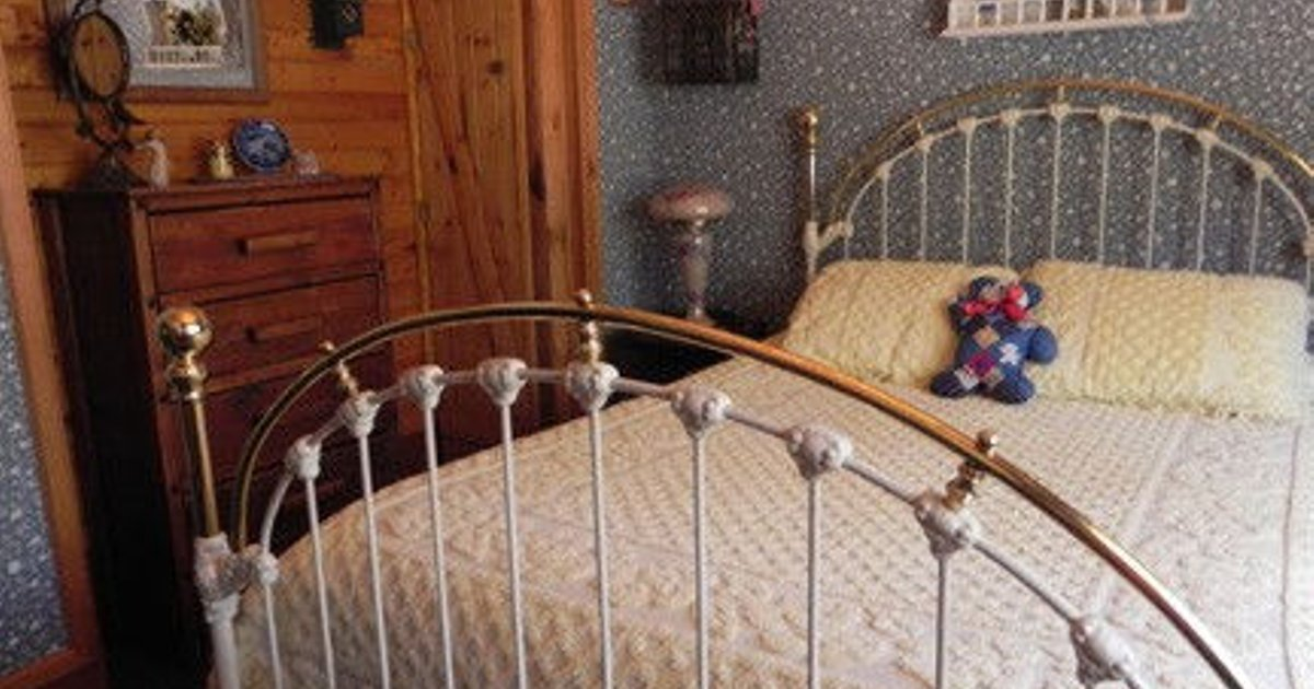 Bluebird Room - The Old Bear B&B