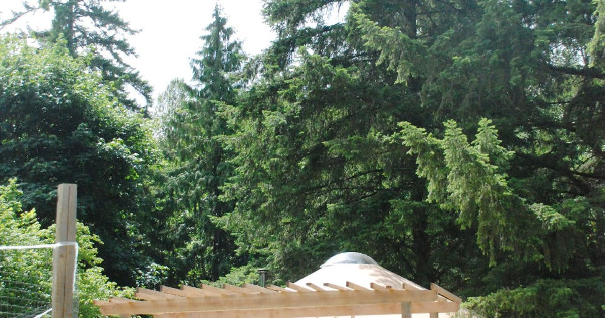 West coast 30 ft yurt, organic farm