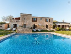 Colonia Sant Jordi hotels with swimming pool