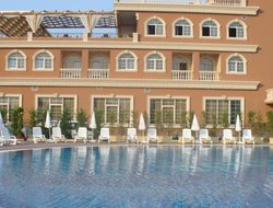 Rinas hotels with swimming pool