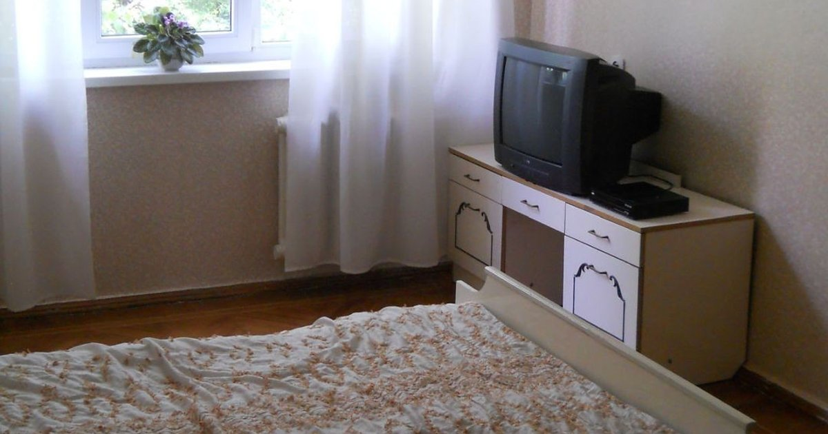 Rent room in the 3-roomed apartment