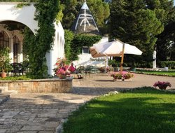 Alberobello hotels with swimming pool