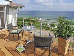Sellin hotels with sea view