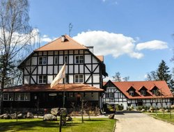 Pisz hotels with restaurants
