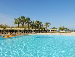 The most popular Adelianos Kampos hotels