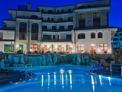 Aheloy hotels with swimming pool