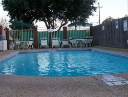Waco hotels with swimming pool