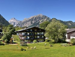 Top-10 hotels in the center of Pertisau