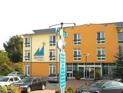 Malchow hotels with restaurants