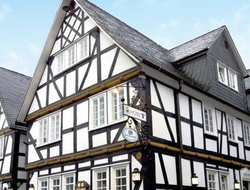 Freudenberg hotels with restaurants