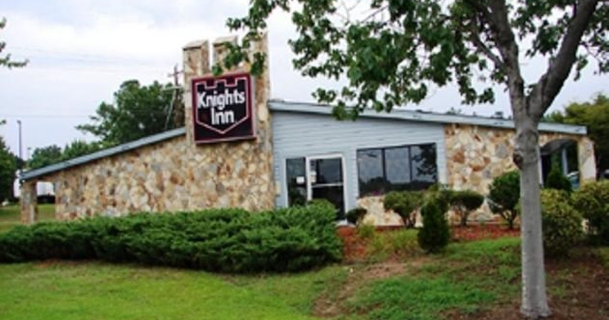 Knights Inn - Columbia