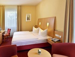 Offenburg hotels with restaurants