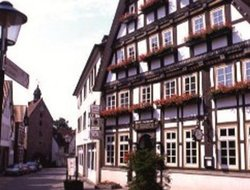 Blomberg hotels with restaurants