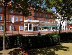 Borkum hotels with restaurants