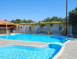 Palekastro hotels with swimming pool