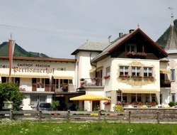 Pertisau hotels with swimming pool