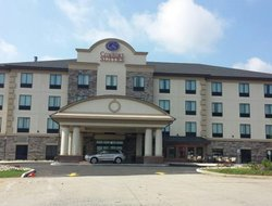 Uniontown hotels with restaurants