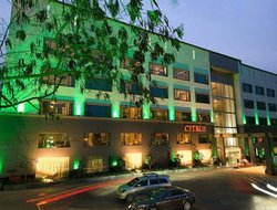 Pimpri-Chinchwad hotels with swimming pool